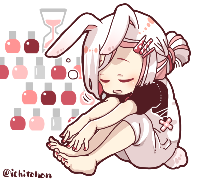 ウサギ耳マニキュア